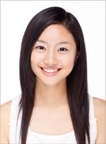 的美少女コンテストで審査 員特別賞を受賞し、翌年「3年B組金八先生」で女優デビュー。「第50代ポッキープリンセス」として、ポッキーのCM で一躍注目を集める。